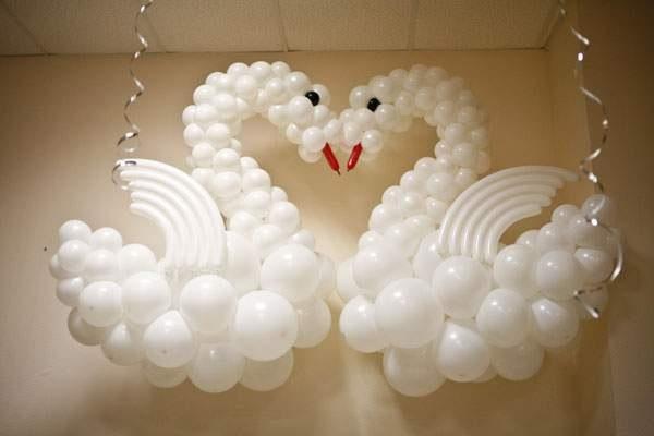 Как сделать лебедь из воздушных шаров