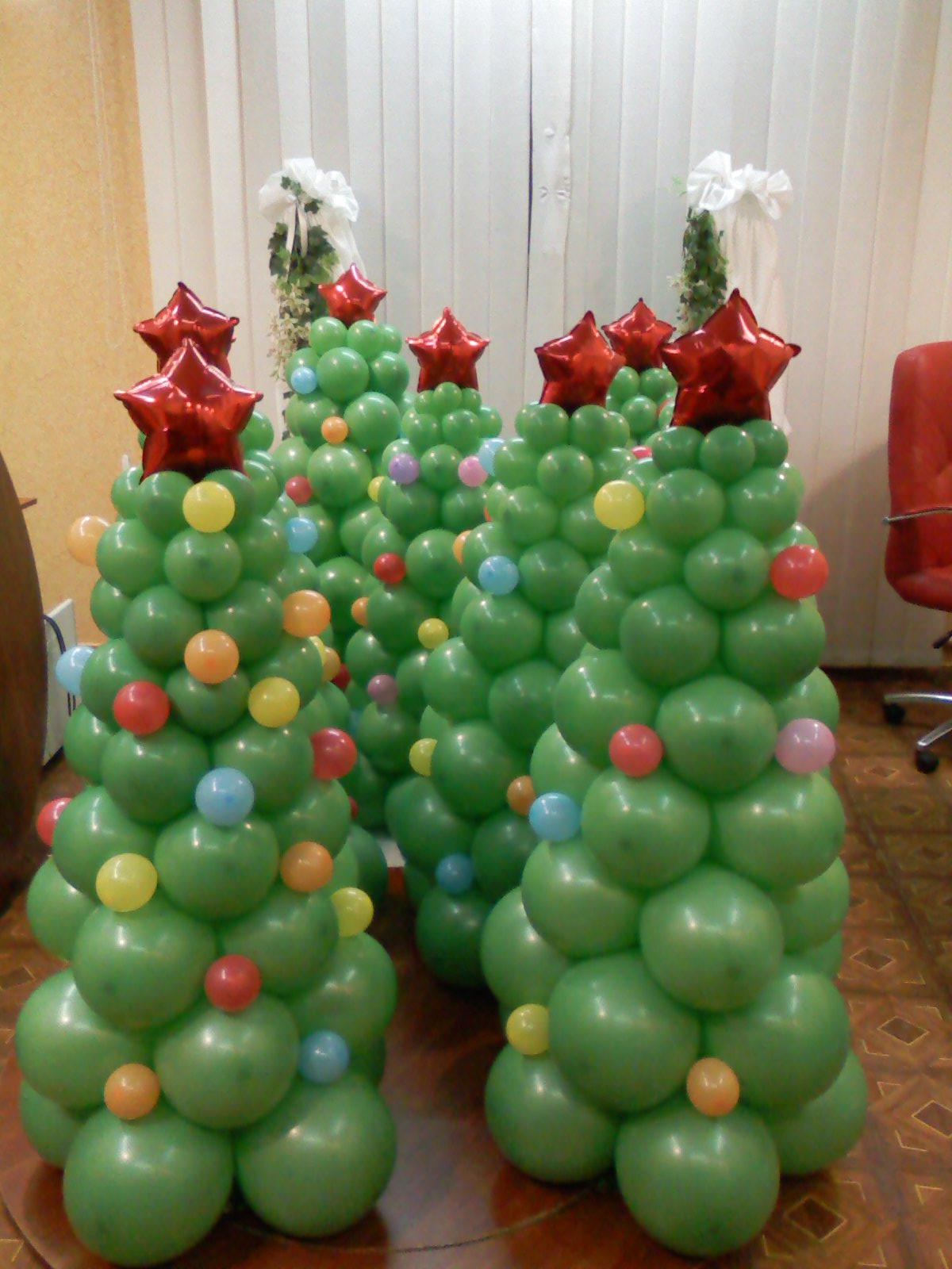 Елка из надувных шариков своими руками фото